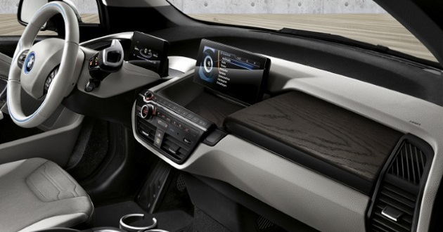 interior of 2018 BMW i3