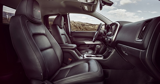Chevy-Colorado-ZR2-interior.
